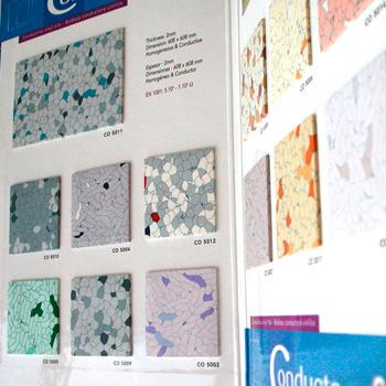 presentoir carton et collage d'echantillons